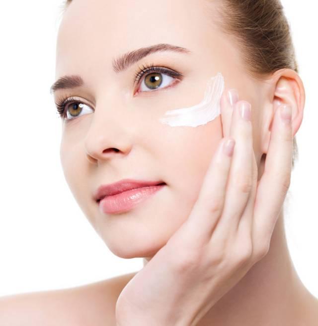 晚上洗完脸后的正确护肤步骤